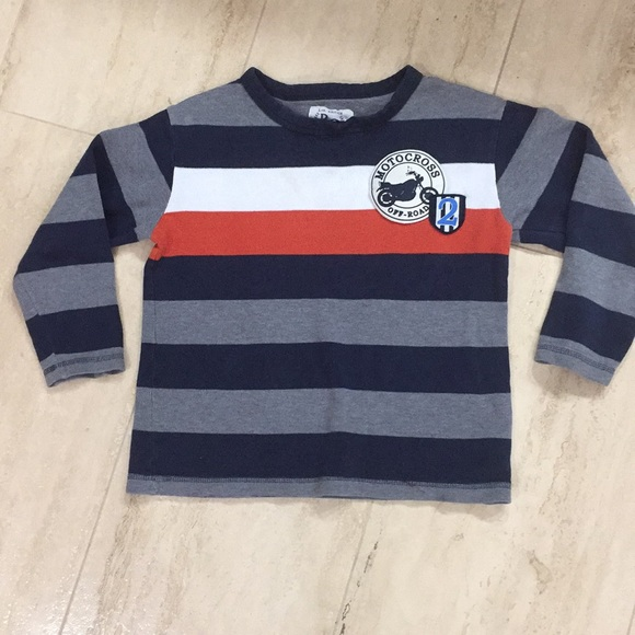GAP - Bundle: 2 boys T-shirts Nice and warm long sleeve from Top ...